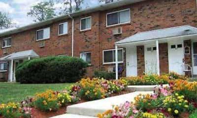Landscaping, Hillcrest Apartments, 0