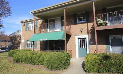 Building, Ashley Trace Apartments, 0