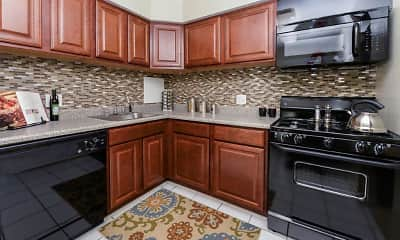 Kitchen, Henry On The Park Apartment Homes, 1