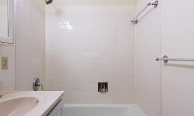 Bathroom, Rivergate Apartments, 2
