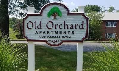 Community Signage, Old Orchard Apartments, 0