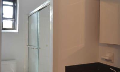 Bathroom, Fairfield Estates At Woodmere, 2