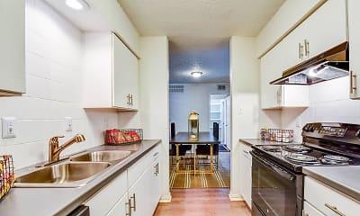 Kitchen, The Estates at Avenstar, 1