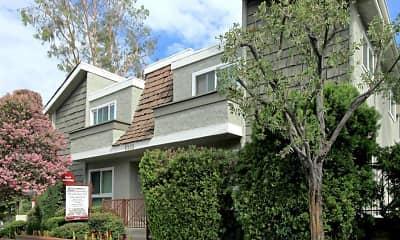 Building, Chatham Oak Apartments, 1