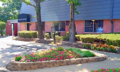 Building, Briarwood, 0