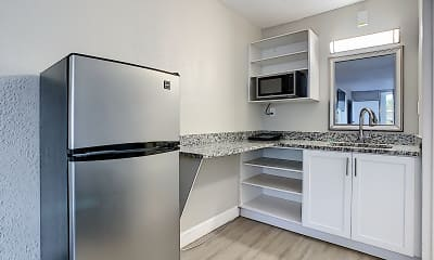 Kitchen, Stayable Suites Lakeland, 2