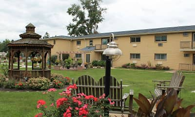 Landscaping, Strasburg Court Apartments, 0