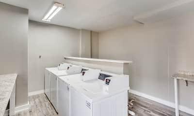Bathroom, Luna Blanca, 2