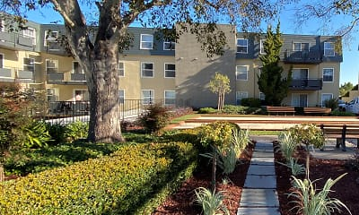 Skycrest Apartments, 2