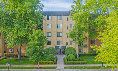 Building, Cook Apartments at Libertyville, 0