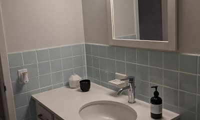 Bathroom, Willogrove Apartments, 2