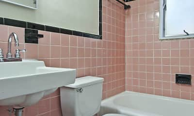 Bathroom, The Glens on Battery Lane, 2