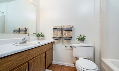 Bathroom, Wildwood Commons, 2