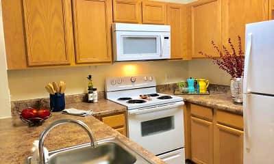 Kitchen, Pinnacle Pointe Apartments, 0