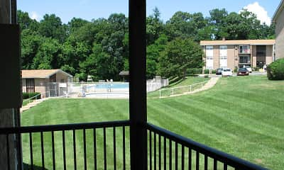Woodcrest Apartments, 2