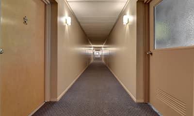 Commodore Club Apartments, 1