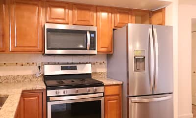 Kitchen, The LEGACY Apartments at Briarcliff, 1