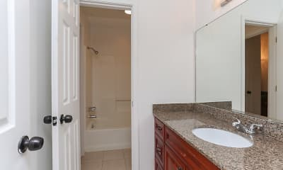 Bathroom, Hickory Plantation Apartments, 2