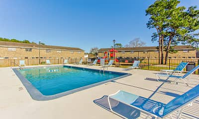 Pool, Patriots Place Townhomes, 1