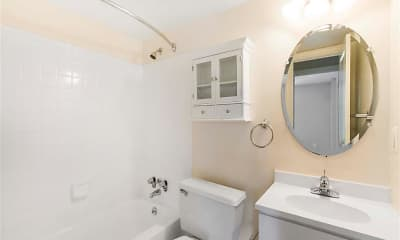Bathroom, Ellicott House Apartments, 2