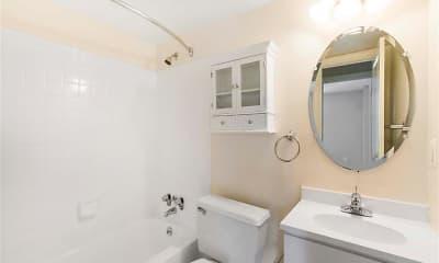 Bathroom, Ellicott House Apartments, 2