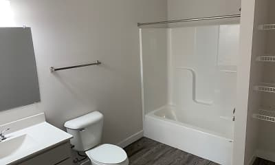 Bathroom, The Edge at Cottage Grove Commons, 2