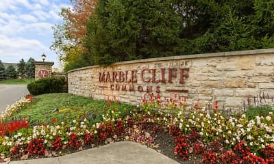 Community Signage, Marble Cliff Commons, 2