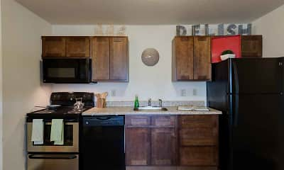 Kitchen, The Grove at Slippery Rock Apartments, 0