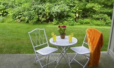 Patio / Deck, Greenfield Knoll, 1