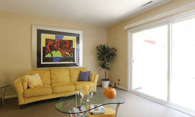 Living Room, Townhomes Of Ashbrook, 1