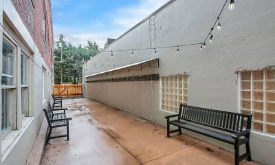 Patio / Deck, Lynnwood, 1