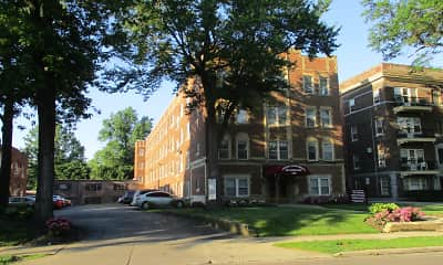 Building, Heights Apartments on Overlook, 0