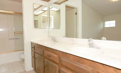 Bathroom, Laurelwood Gardens, 2