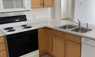 Kitchen, Summit Knolls Apartments and Townhomes, 1