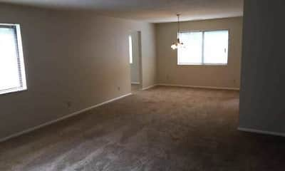 Living Room, Monticello Apartments & Townhomes, 2