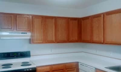 Kitchen, Carlyle Tower Apartment Homes, 2
