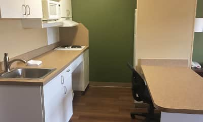 Kitchen, Furnished Studio - Detroit - Auburn Hills - I -75, 1