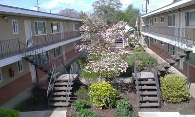 South Hills Village, 0