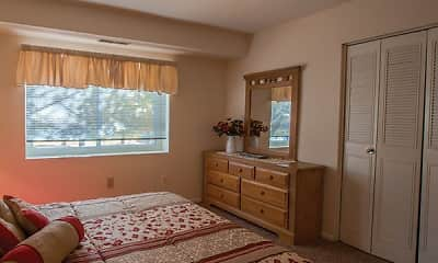 Bedroom, Shillington Commons Apartments, 2