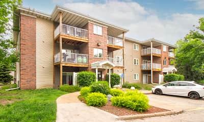 Building, Sun Prairie Apartments, 1