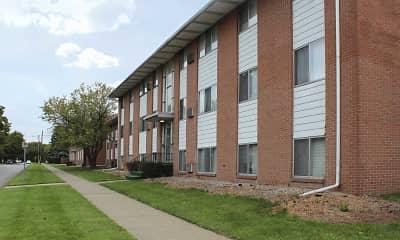 Building, Woodlawn Park Apartments, 0