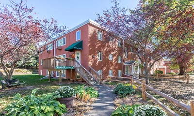 Pine Tree Park Apartments, 0