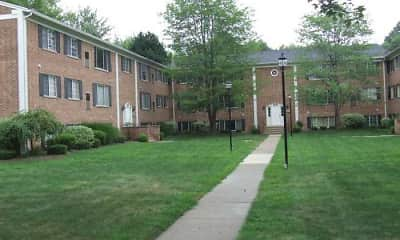 Courtyard, Georgetown Manor Apartments, 0