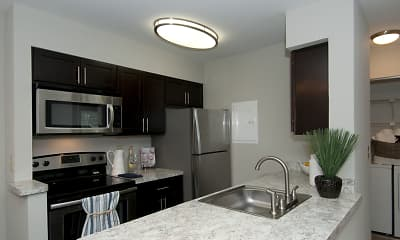 Kitchen, Spyglass at Cedar Cove Apartments, 1