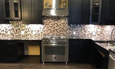 Kitchen, Lux, 2