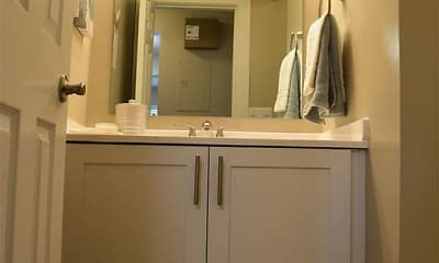 Bathroom, Parkside at Castleton Square, 2