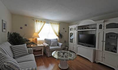Living Room, Admiral Pointe Apartments, 1