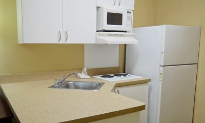 Kitchen, Furnished Studio - Huntsville - U.S. Space and Rocket Center, 1