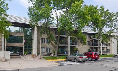 Building, Tower Hills West Apartments, 2
