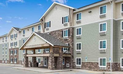 Building, WoodSprings Suites Watford City, 2